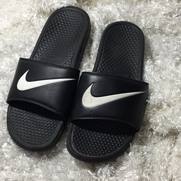 159e9fd5285c Men s NIKE padded slide sandals. M 5bff448afe5151212df6001d